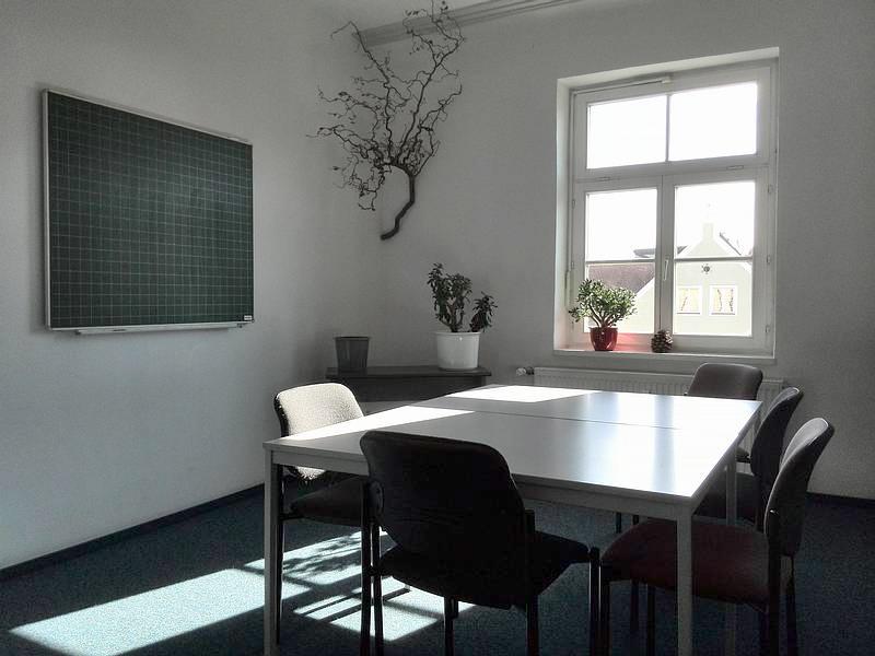 Über uns - Seminarraumvermietung - Nachhilfeinstitut Landshut - Raum 01