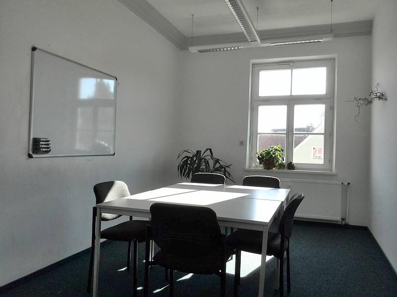 Über uns - Seminarraumvermietung - Nachhilfeinstitut Landshut - Raum 03