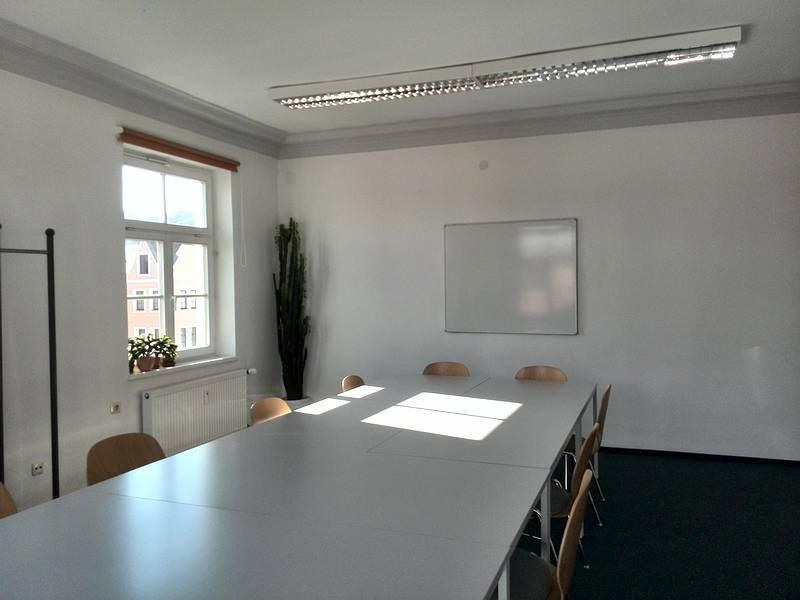 Über uns - Seminarraumvermietung - Nachhilfeinstitut Landshut - Raum 04